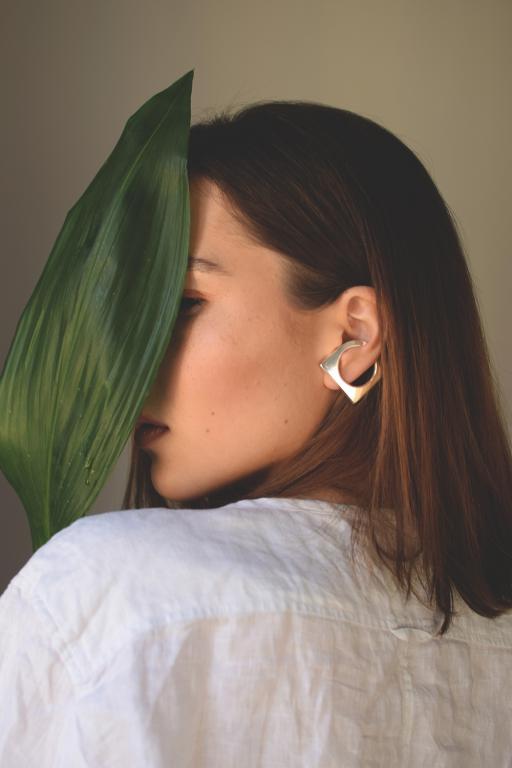 Egyedi ékszer, szögletes ezüst fülbevaló