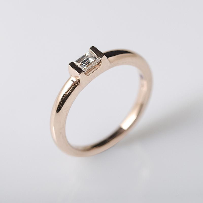 Bagett gyémántos eljegyzési gyűrű, minimalista egyedi ékszer