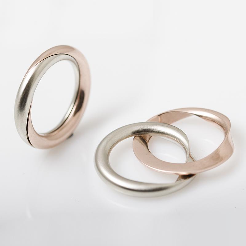 Kétszínű karikagyűrű, jegygyűrű