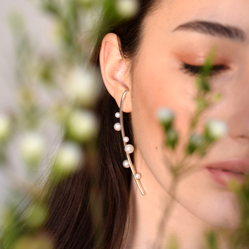 Ezüst gyöngyös fülbevaló, Veronika Vallus