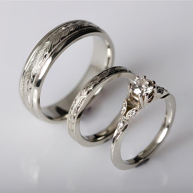 Eljegyzési gyűrű és jegygyűrű pár vésett mintával