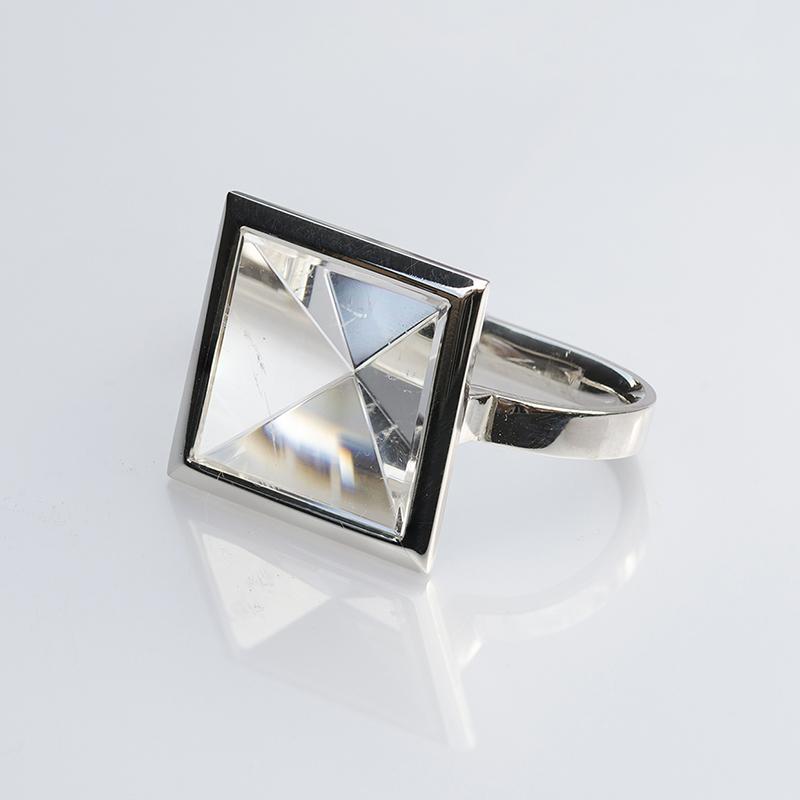 Hegyi kristály, piramis alakú, kétujjas gyűrű