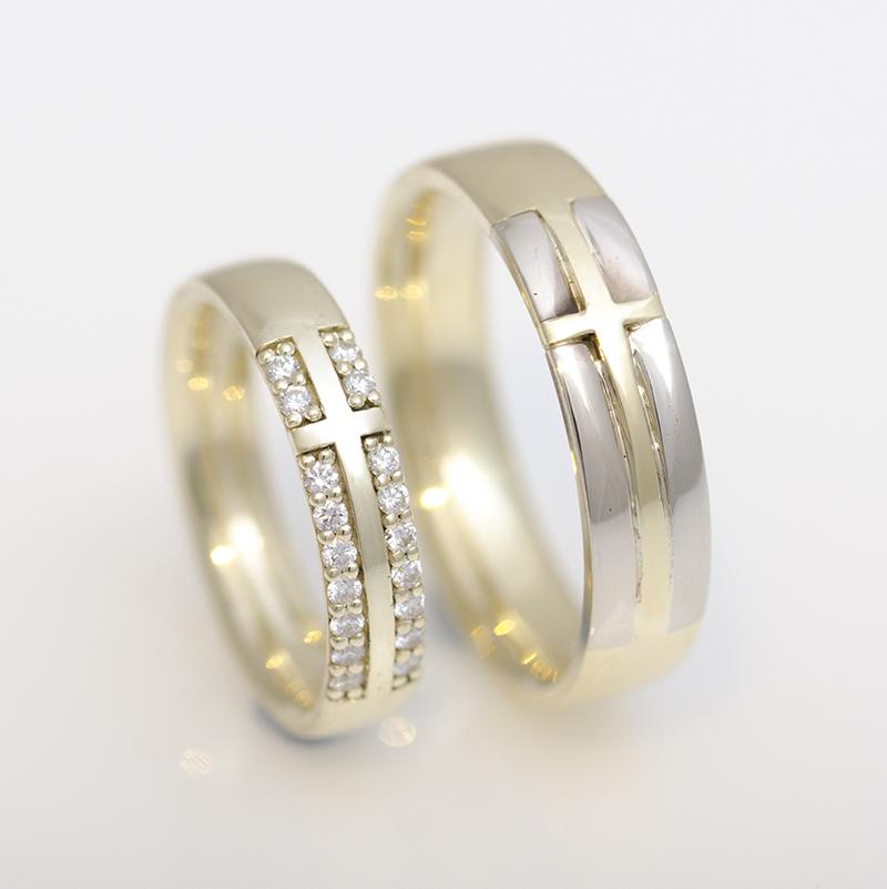 Jegygyűrű pár kereszt motívummal, sárga és fehér arany