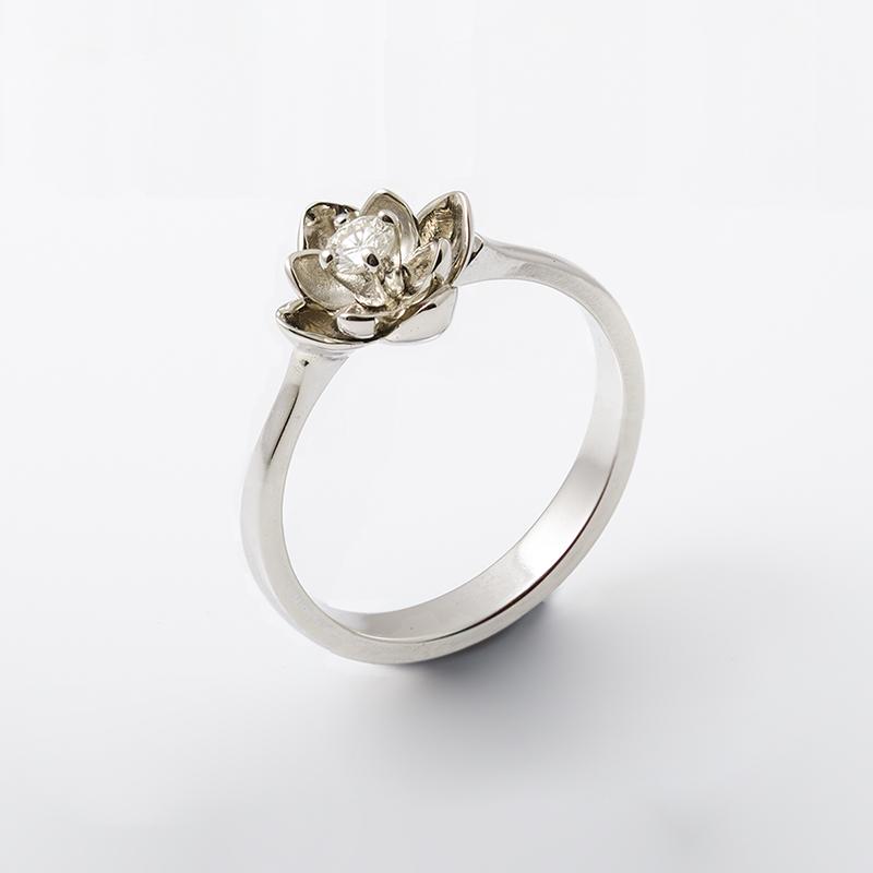 Virágos eljegyzési gyűrű gyémánttal